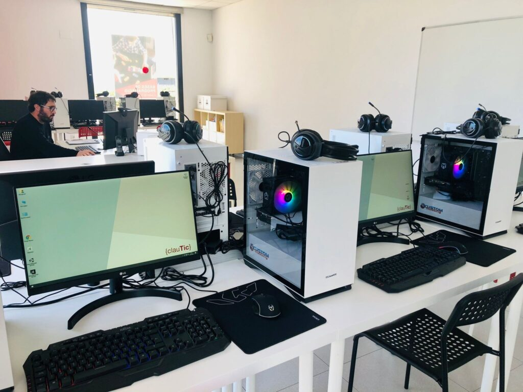 academia clautic Campus de robòtica videojocs estiu 2021